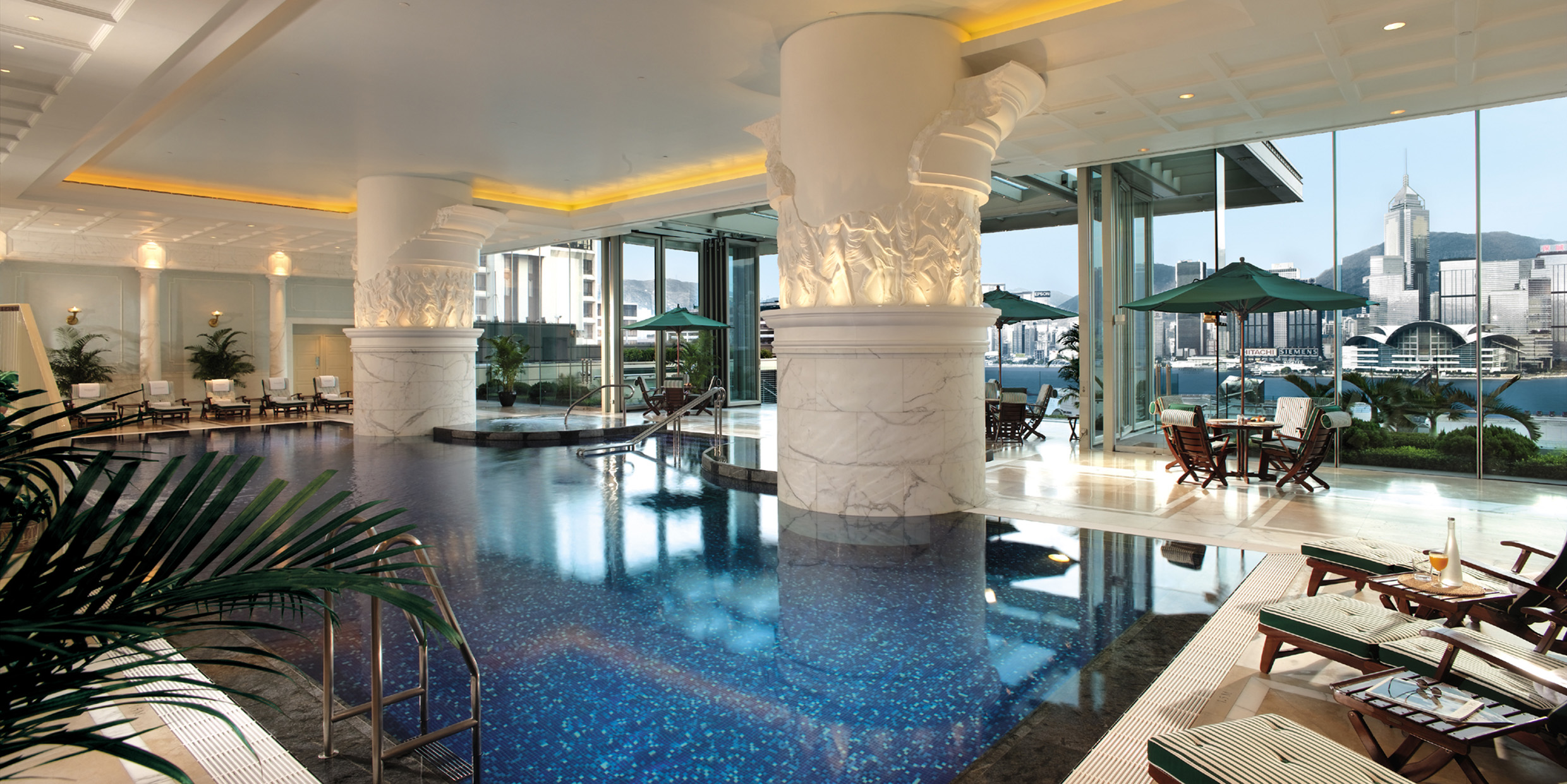 Best hotel swimming pools in hong kong chopstix the city for Hotel luxury hong kong