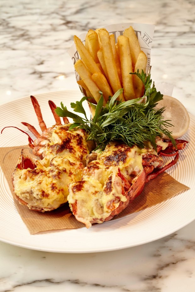 Lobster Thermidor at Cafe Causette, Mandarin Oriental Hong Kong