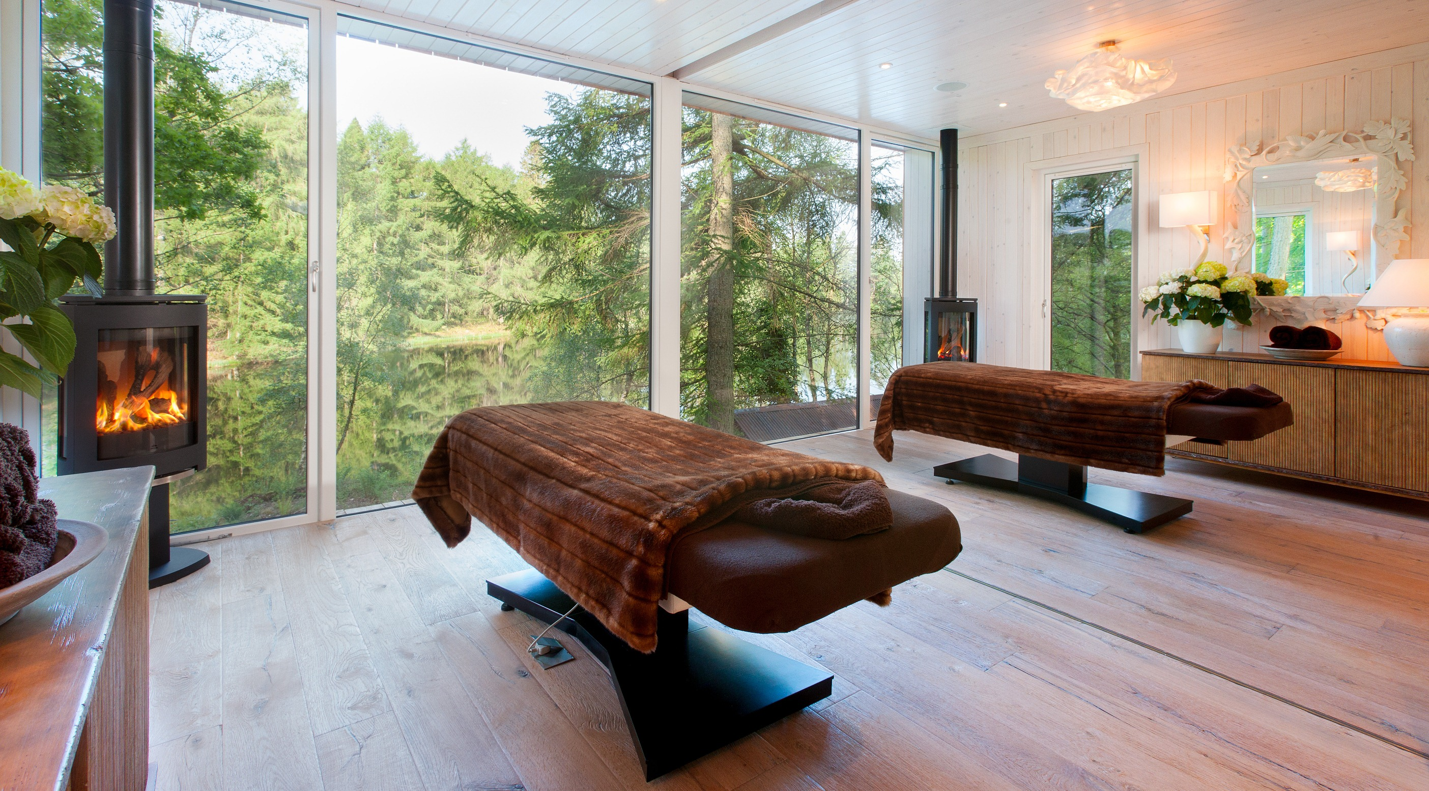Gilpin Lake House treatment room.jpg