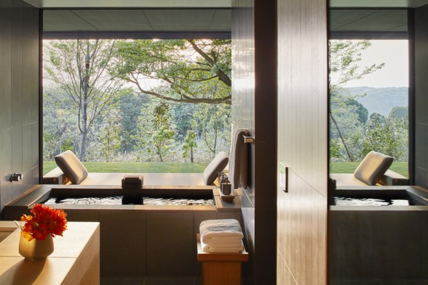 RS2890_Amanemu - bathroom with private onsen-scr