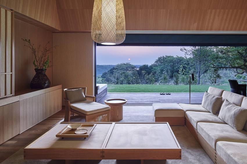 RS2892_Amanemu - Villa living room-scr