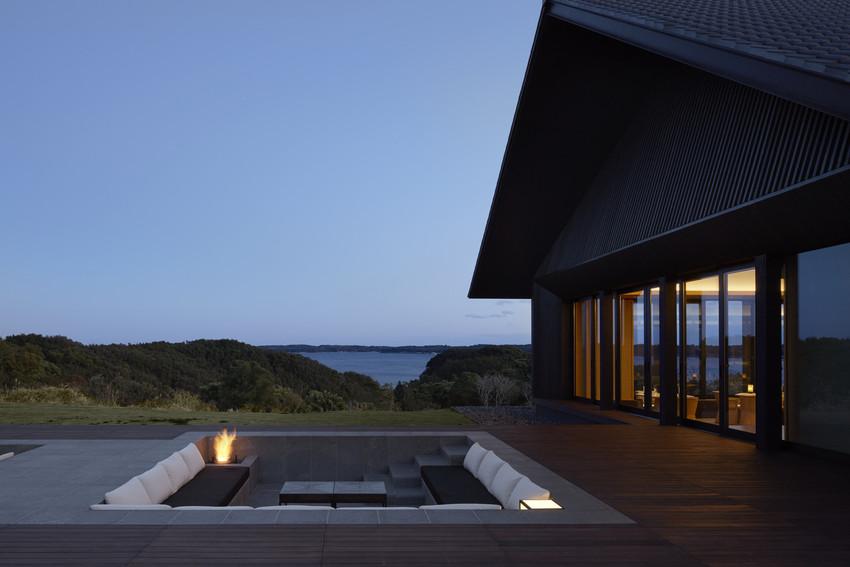 RS2983_Amanemu - Restaurant pavilion exterior and sunken lounge area-scr