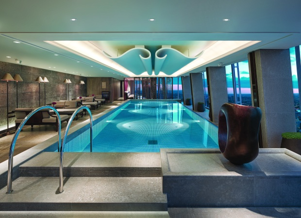 Skypool at Shangri La The Shard.jpg