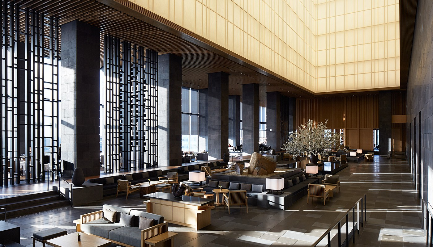aman-tokyo-lobby-lantern-1400-x-800