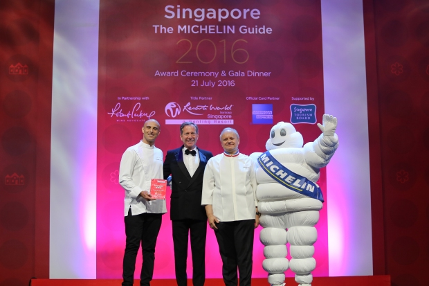 Three stars for the Joël Robuchon restaurant in Singapore-2