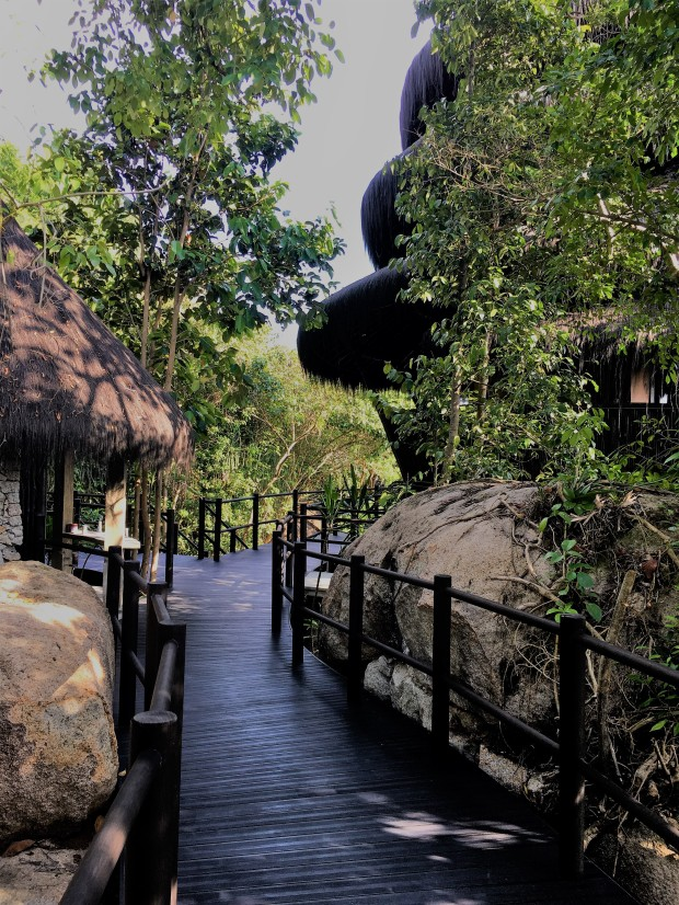 Walkway to Dodo Bar